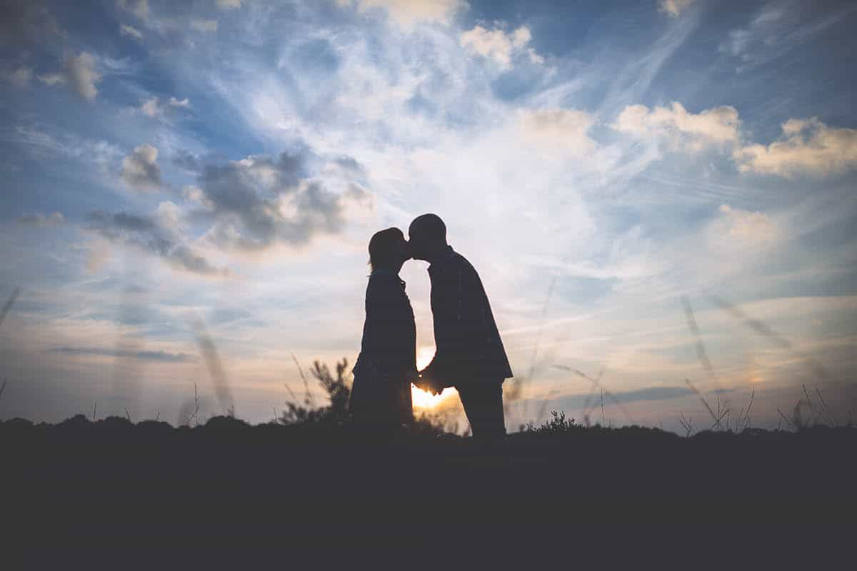 New Forest Engagement Photography - sunset kiss