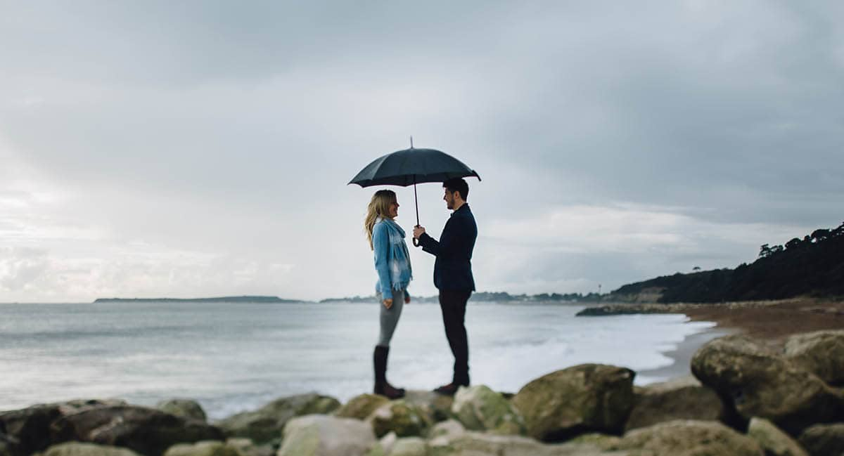dorset engagement photography - highcliffe beach front
